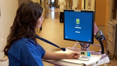 Ausweise und Chipkartenleser für das Gesundheitswesen