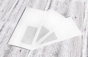 Kartenmailing von Plastikkarten